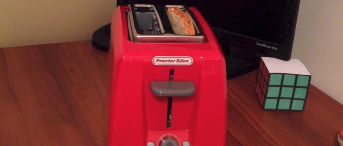 Best dark red toaster